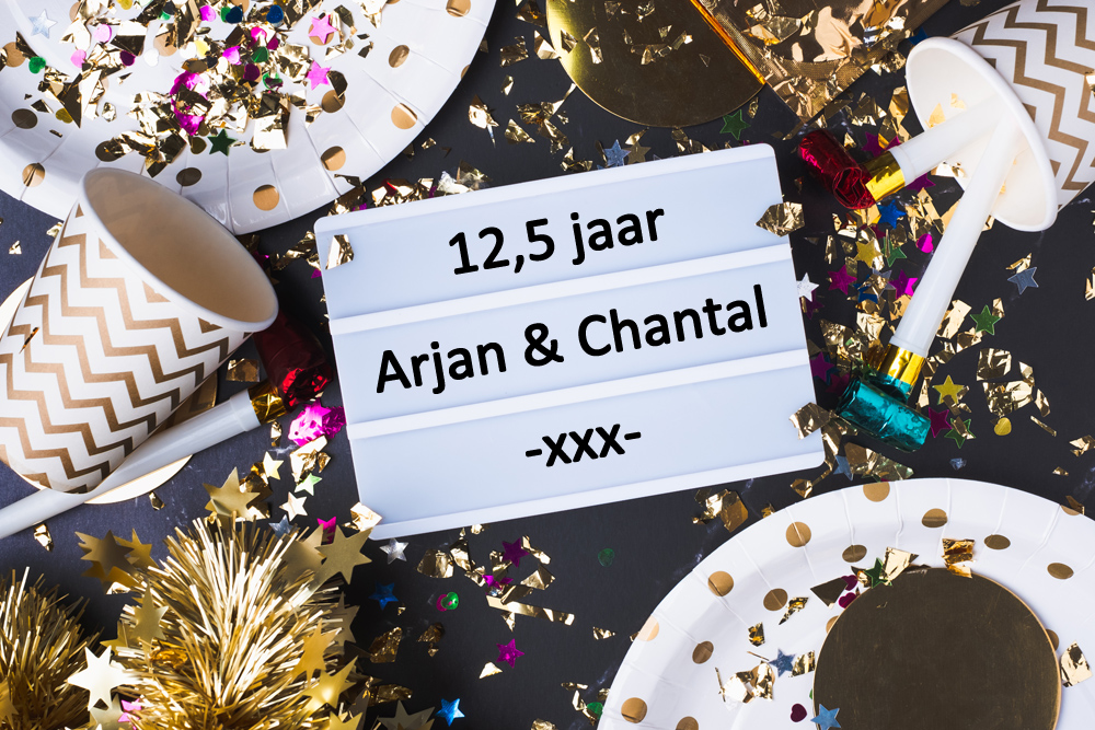 Huwelijksjubileum vieren huur een photobooth of polaroidcamera