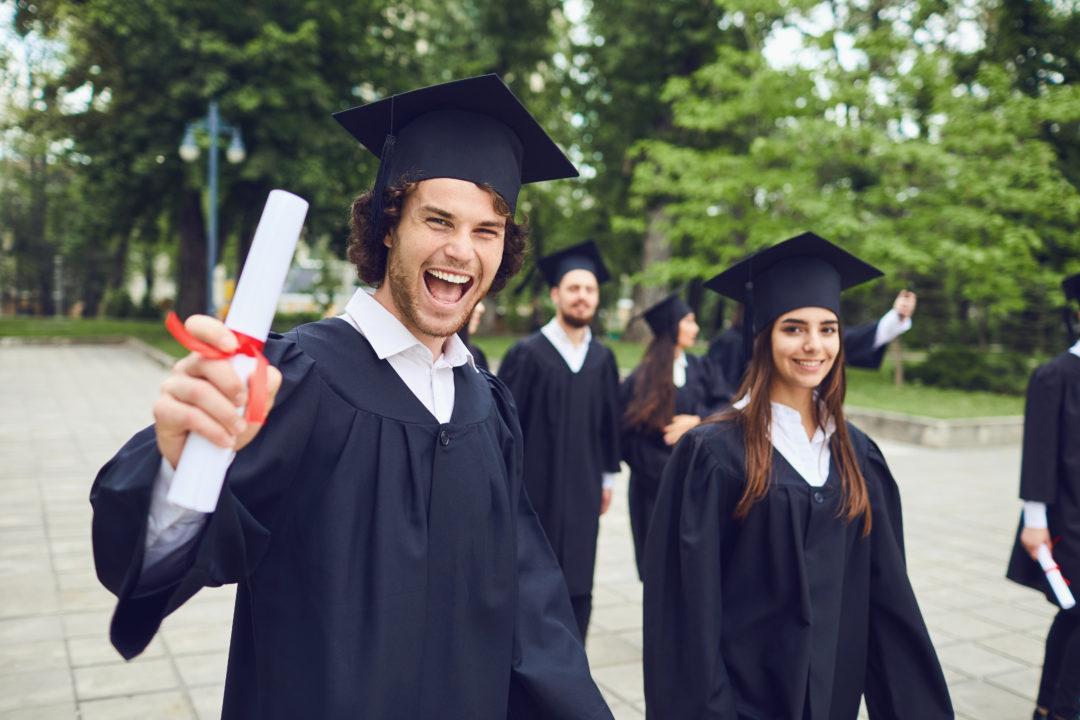 Diplomering diploma uitreiking Corona